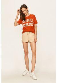 Russell Athletic - Russel Athletic - Szorty. Okazja: na co dzień. Kolor: beżowy. Materiał: dzianina. Styl: casual