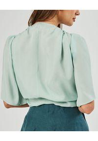 MARLU - Miętowa bluzka Bander. Kolor: niebieski. Materiał: elastan, wiskoza, materiał. Wzór: gładki. Styl: elegancki, klasyczny