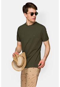 Lancerto - Koszulka Ciemnozielona Daniel. Okazja: na co dzień. Kolor: zielony. Materiał: materiał, bawełna, włókno. Wzór: aplikacja. Sezon: wiosna, jesień, zima, lato. Styl: casual, klasyczny