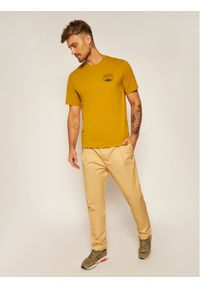 Converse T-Shirt 10019934-A03 Żółty Regular Fit. Kolor: żółty #3