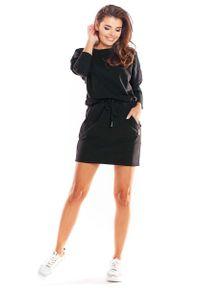 Infinite You - Czarna Krótka Sukienka Bawełniana Ściągana w Pasie. Kolor: czarny. Materiał: bawełna. Długość: mini
