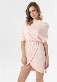Born2be - Jasnoróżowa Sukienka Phianele. Kolor: różowy