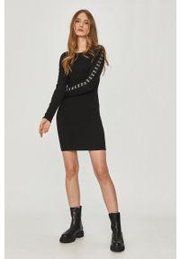 Czarna sukienka Answear Lab na co dzień, prosta, gładkie, mini