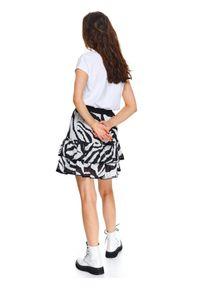 Czarna spódnica TOP SECRET na co dzień, na lato, casualowa, w kolorowe wzory