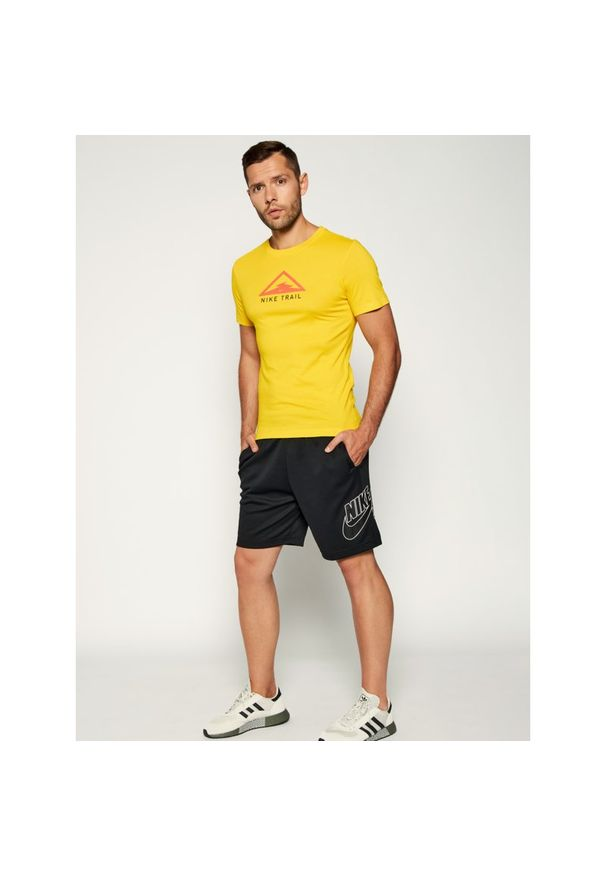 Żółta koszulka sportowa Nike Dri-Fit (Nike)