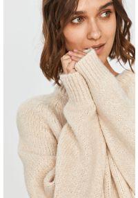 Kremowy sweter Answear Lab na co dzień, wakacyjny, długi, z długim rękawem