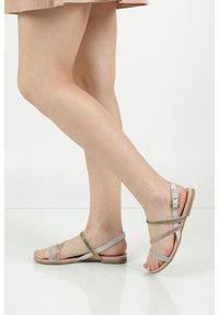 Sandały Marco Tozzi na lato, w kolorowe wzory