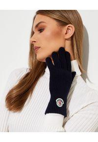 MONCLER - Granatowe rękawiczki z logo. Kolor: niebieski. Materiał: dzianina, wełna. Wzór: aplikacja