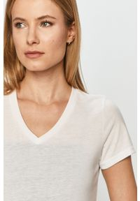 Only Play - T-shirt. Okazja: na co dzień. Kolor: biały. Materiał: dzianina. Wzór: gładki. Styl: casual #5