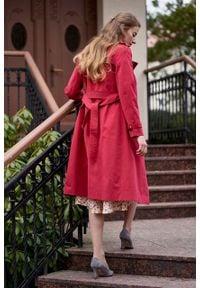 Marie Zélie - Trencz Adria bawełna z elastanem czerwony. Kolor: czerwony. Materiał: bawełna, elastan. Sezon: lato. Styl: klasyczny #5