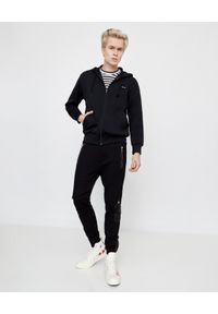 COMME DES GARCONS PLAY - Czarna bluza z kapturem. Okazja: na co dzień. Typ kołnierza: kaptur. Kolor: czarny. Materiał: jeans, materiał. Długość rękawa: długi rękaw. Długość: długie. Styl: klasyczny, casual