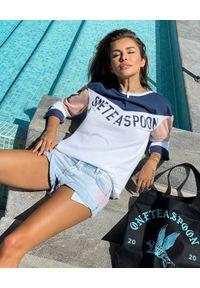 ONETEASPOON - EDYCJA LIMITOWANA OneTeaspoon x Moliera 2 - Bawełniana koszulka z logo. Kolor: biały. Materiał: bawełna. Długość rękawa: długi rękaw. Długość: długie. Wzór: nadruk. Styl: sportowy, klasyczny