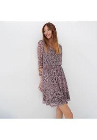 Mohito - Sukienka w kropki Eco Aware - Różowy. Kolor: różowy. Wzór: kropki