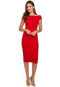 MAKEOVER - Czerwona Dopasowana Midi Sukienka z Dekoltem w Łódkę. Kolor: czerwony. Materiał: bawełna, poliester. Długość: midi