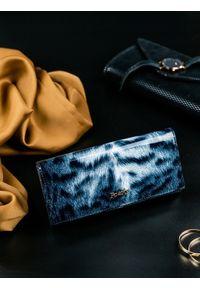 Czarny portfel ROVICKY w kolorowe wzory