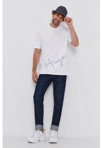 Hugo - T-shirt bawełniany. Kolor: biały. Materiał: bawełna. Wzór: aplikacja