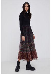 Desigual - Sukienka. Kolor: czarny. Materiał: dzianina. Długość rękawa: długi rękaw. Typ sukienki: rozkloszowane