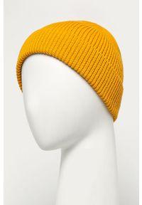 Żółta czapka GAP