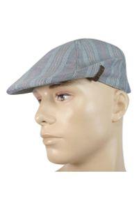 Szara czapka w kolorowe wzory, na wiosnę