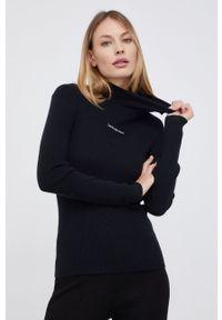 Calvin Klein Jeans - Sweter z domieszką wełny. Typ kołnierza: golf. Kolor: czarny. Materiał: wełna. Długość rękawa: długi rękaw. Długość: długie. Wzór: aplikacja