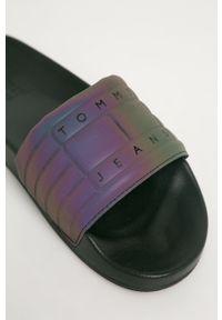 Fioletowe klapki Tommy Jeans