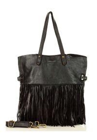 Czarna torebka z frędzlami, boho