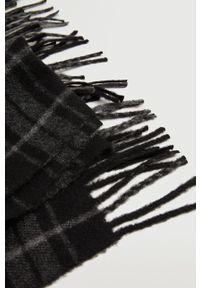 Mango Man - Szalik Wood. Kolor: czarny. Materiał: włókno