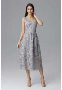 e-margeritka - Koronkowa sukienka wizytowa bez rękawów szara - s. Okazja: na sylwestra, na wesele, na studniówkę, na ślub cywilny, na imprezę. Kolor: szary. Materiał: koronka. Długość rękawa: bez rękawów. Wzór: koronka. Typ sukienki: kopertowe. Styl: wizytowy. Długość: midi