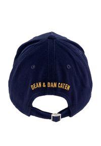DSQUARED2 KIDS - Granatowa czapka z logo 4-14 lat. Kolor: niebieski. Materiał: bawełna. Wzór: napisy, haft, aplikacja. Sezon: lato