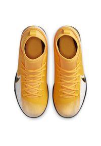 Buty piłkarskie dla dzieci turfy Nike Mercurial Superfly 7 Club AT8156. Materiał: syntetyk, guma, skóra. Szerokość cholewki: normalna. Sport: piłka nożna