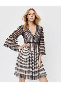NEEDLE & THREAD - Sukienka La Vie En Rose. Kolor: czarny. Materiał: tiul. Wzór: aplikacja. Typ sukienki: kopertowe, dopasowane. Długość: mini