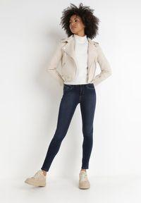 Born2be - Granatowe Jeansy Skinny Nemastus. Kolor: niebieski. Długość: długie. Wzór: gładki. Styl: sportowy, elegancki
