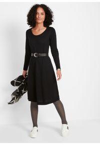 Sukienka dzianinowa poszerzana dołem bonprix czarny. Kolor: czarny. Materiał: bawełna, dzianina, materiał, akryl