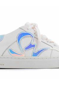 SOPHIA WEBSTER - Tenisówki Swalk z tęczową aplikacją. Nosek buta: okrągły. Zapięcie: sznurówki. Kolor: biały. Materiał: guma. Szerokość cholewki: normalna. Wzór: aplikacja. Styl: klasyczny