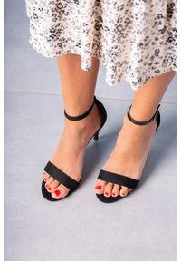 Casu - Czarne sandały szpilki z zakrytą piętą paskiem wokół kostki ze skórzaną wkładką casu a20x2/b. Zapięcie: pasek. Kolor: czarny. Materiał: skóra. Obcas: na szpilce