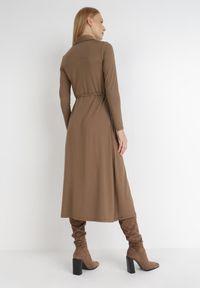Born2be - Brązowa Sukienka Sofane. Kolor: brązowy. Długość rękawa: długi rękaw. Typ sukienki: koszulowe. Styl: klasyczny. Długość: midi