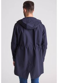 Emporio Armani - Granatowy wodoodporny płaszcz męski. Kolor: niebieski. Materiał: wełna #7