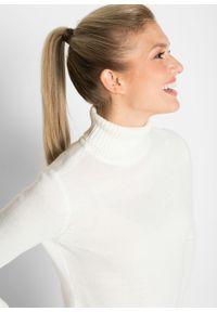 Sweter basic z golfem bonprix biel wełny. Typ kołnierza: golf. Kolor: biały. Materiał: wełna. Wzór: prążki