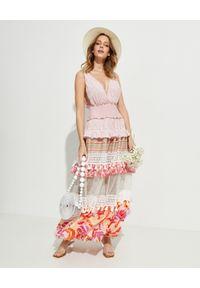 CHIO - Sukienka maxi z falbanami. Kolor: biały. Materiał: materiał. Typ sukienki: kopertowe, baskinki. Długość: maxi