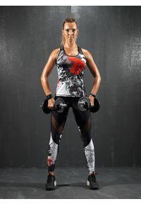 Czarny biustonosz sportowy FJ! na jogę i pilates, w kolorowe wzory