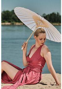 Różowa sukienka Hultaj Polski maxi, kopertowa, z kopertowym dekoltem, na lato