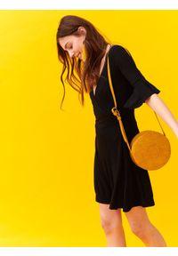 Czarna sukienka TROLL na co dzień, casualowa, na wiosnę