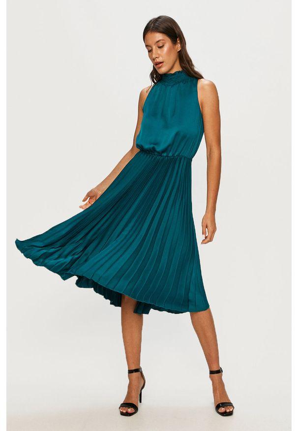 Zielona sukienka Answear Lab wakacyjna, midi
