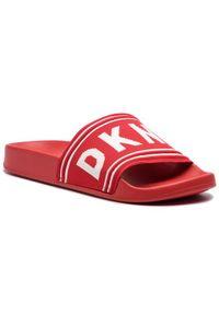 Czerwone klapki DKNY