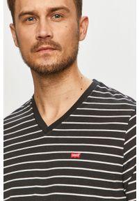 Czarny t-shirt Levi's® biznesowy, z aplikacjami, na co dzień