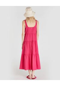 Patrizia Pepe - PATRIZIA PEPE - Długa różowa sukienka z bawełny. Typ kołnierza: dekolt na plecach. Kolor: różowy, fioletowy, wielokolorowy. Materiał: bawełna. Sezon: wiosna, lato. Typ sukienki: oversize. Długość: maxi