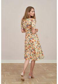 Marie Zélie - Sukienka Aerin Alia brzoskwiniowa. Kolor: pomarańczowy. Materiał: bawełna, satyna, skóra, materiał. Typ sukienki: trapezowe