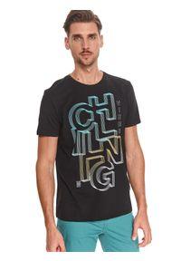 TOP SECRET - T-shirt z nadrukiem. Okazja: na co dzień. Kolor: czarny. Materiał: bawełna, tkanina. Długość rękawa: krótki rękaw. Długość: krótkie. Wzór: nadruk. Sezon: lato. Styl: wakacyjny, casual