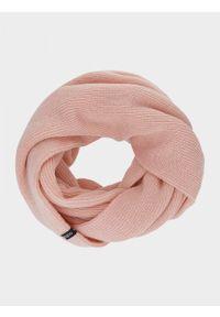 Różowy szalik outhorn