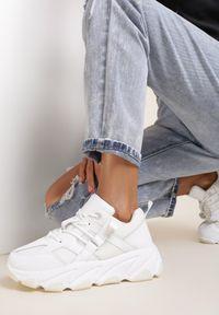 Renee - Białe Sneakersy Astriphe. Kolor: biały